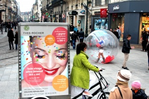 lunioncom street et guerilla marketing Yves Rocher (14)_1