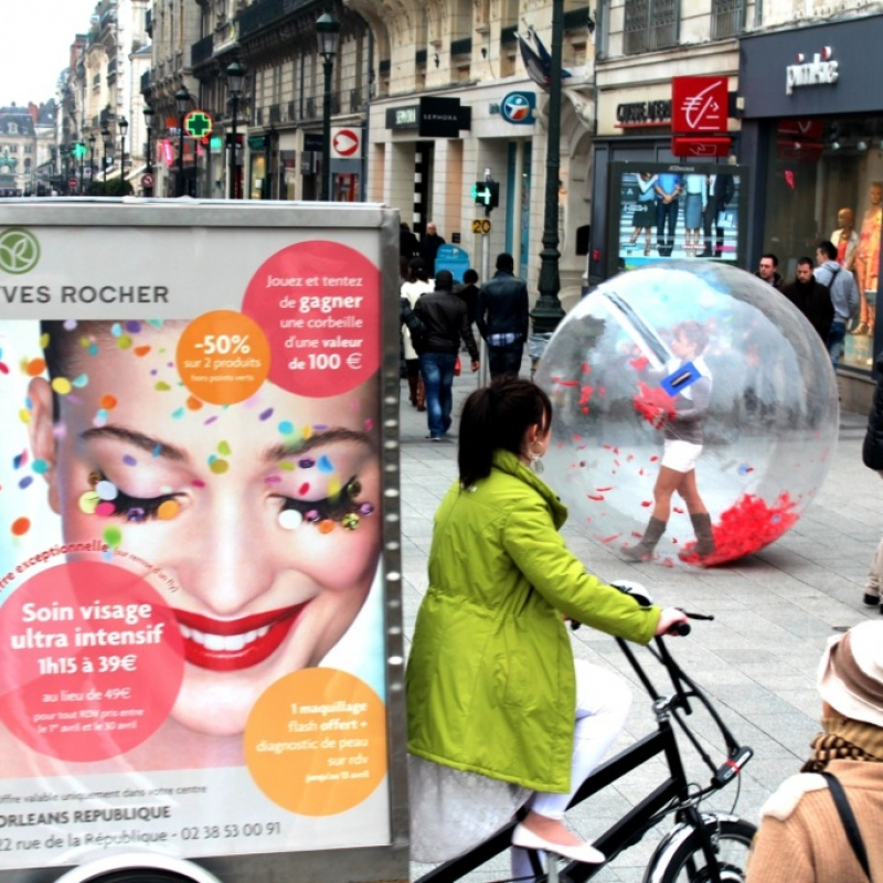 lunioncom-street-et-guerilla-marketing-Yves-Rocher-14_1-1024x683
